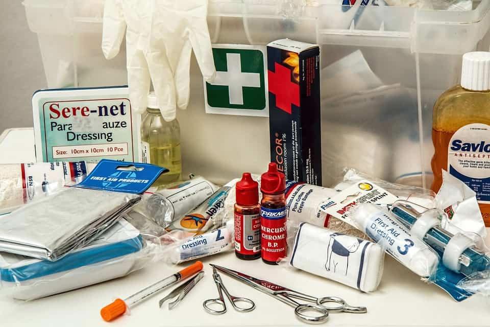 il contenuto della cassetta di pronto soccorso. :: cantiere pro
